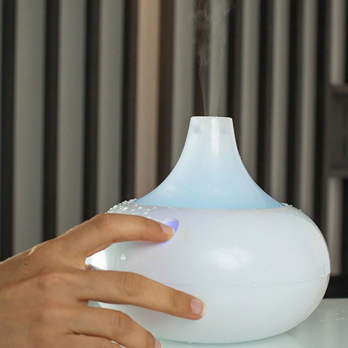 Humidificador multicolor LED con difusor de aromas BN3593