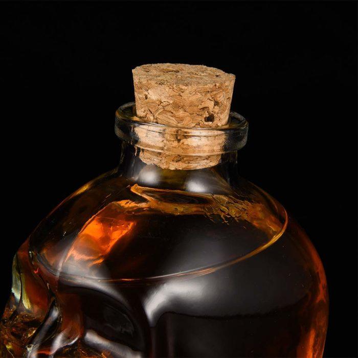 Licorera calavera con 2 vasos de chupitos BN5567