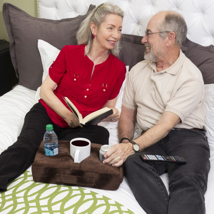 Cojín con soporte para bebidas y tazas We Houseware BN4270 para sofa y coche